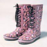 Детская обувь: почему мерзнут ноги?