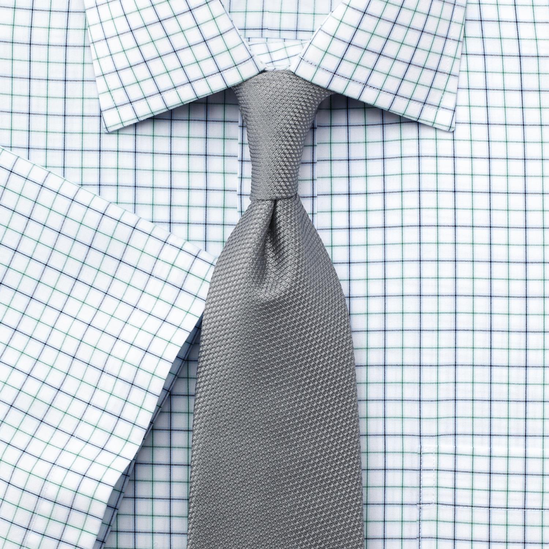 Один из главных атрибутов мужского гардероба – рубашка