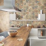 Испанская плитка — лучший вариант отделки стен