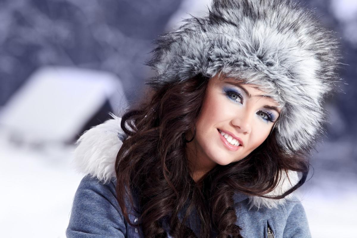 С чем носить меховую шапку?