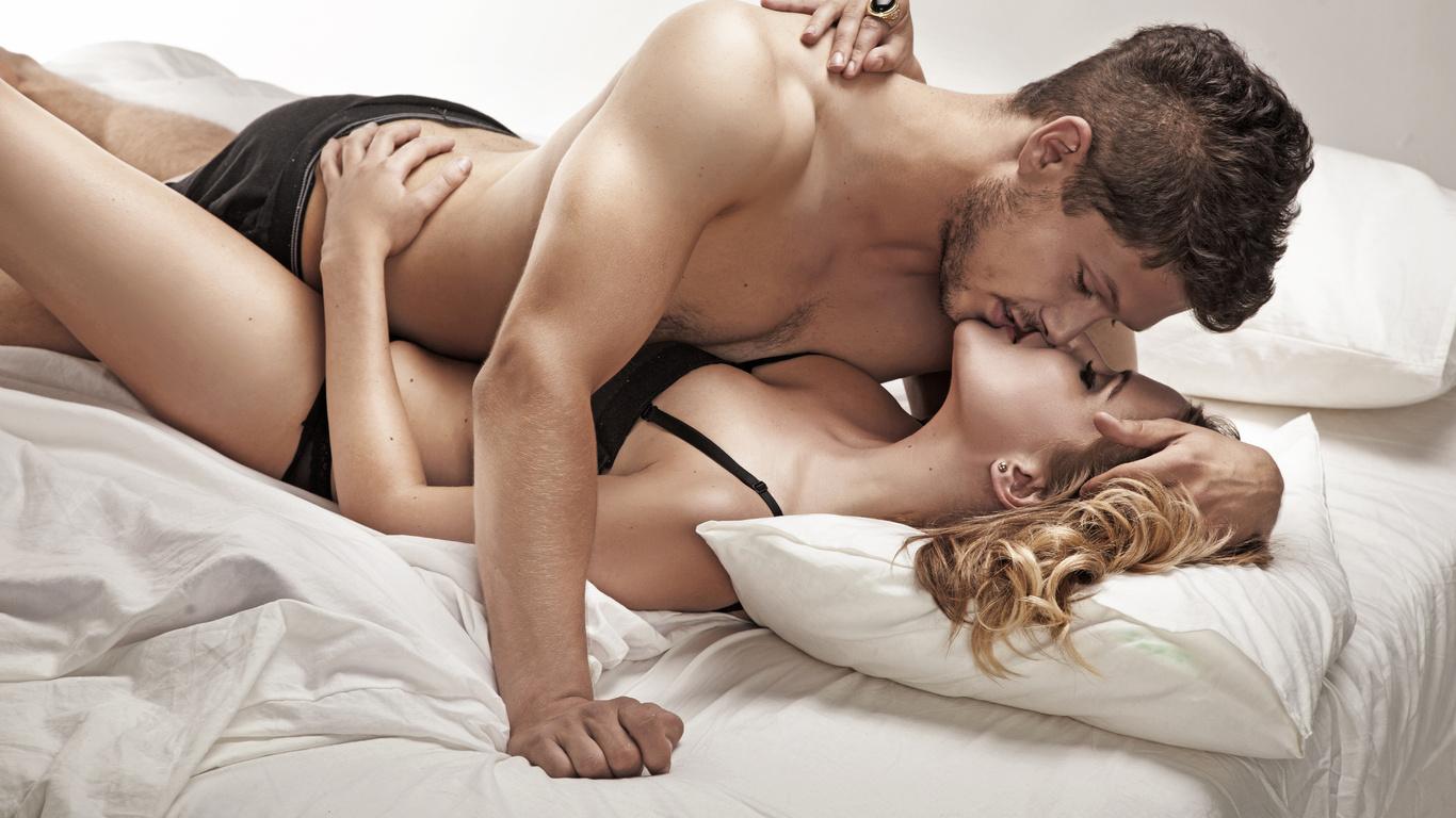 Что взять в супружескую постель? Страпон и 5 лучших игрушек для пар