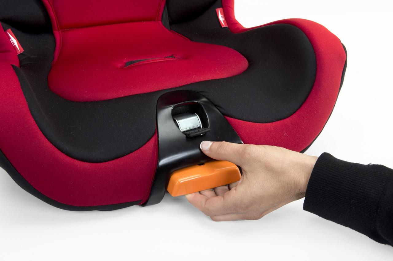 Детское кресло: надежно ли оно?