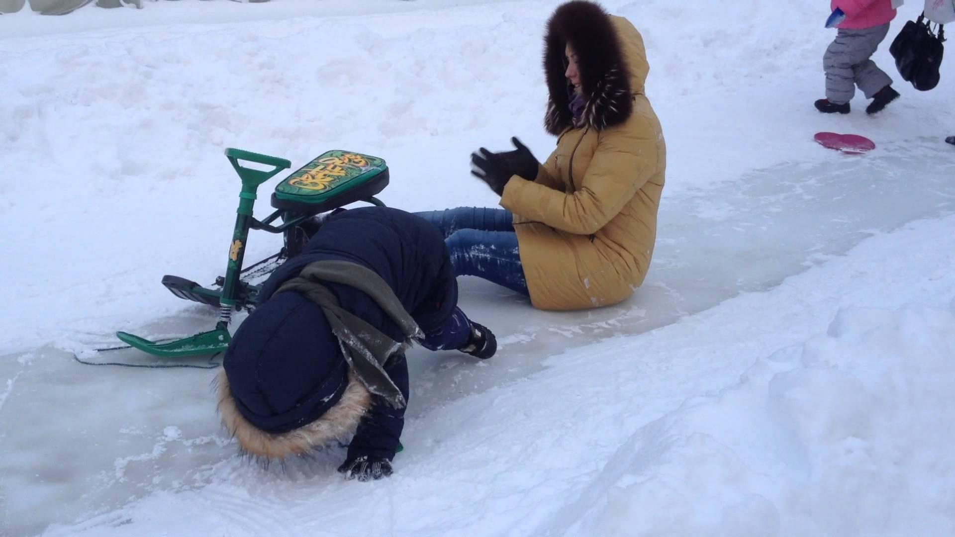 Как выбрать детский снегокат?