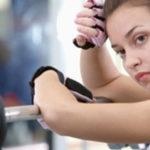 Что лучше тренировки в спортзале или дома