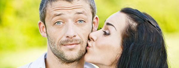 как целовать мужчину