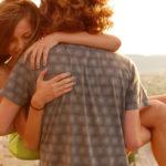 Как поднять девушку на руки